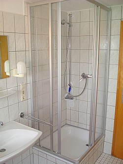Ferienwohnung mit Balkon - Das Badezimmer