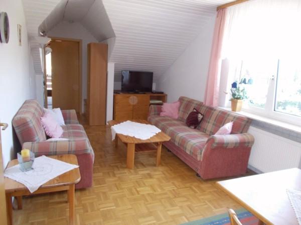 Ferienwohnung mit Balkon - Das Wohnzimmer