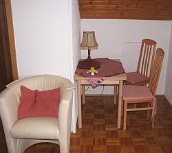 Ferienwohnung Nr. 2 - Das Wohnzimmer mit Essecke